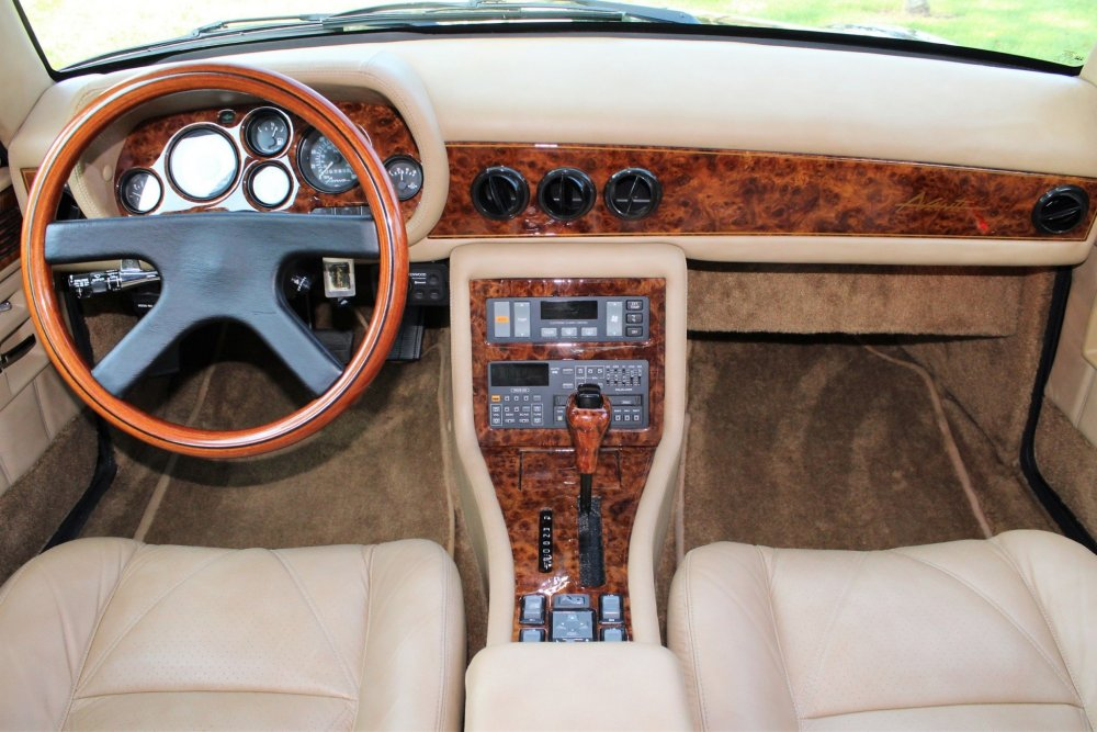 1990_avanti_4_door_touring_sedan_15378239848764daIMG_8782.jpg