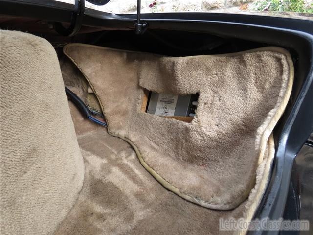 1989-avanti-convertible-121.jpg.68743b2ffc22f0508d304d8392e36ec7.jpg