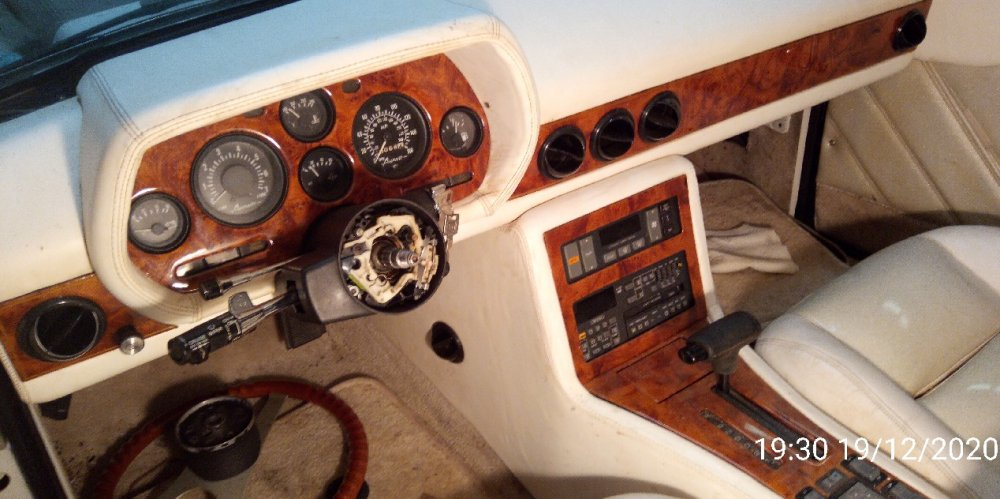 1989White_dash_wo_wheel.thumb.jpg.dfdd53a6cdb2fd61100762f5d9326821.jpg