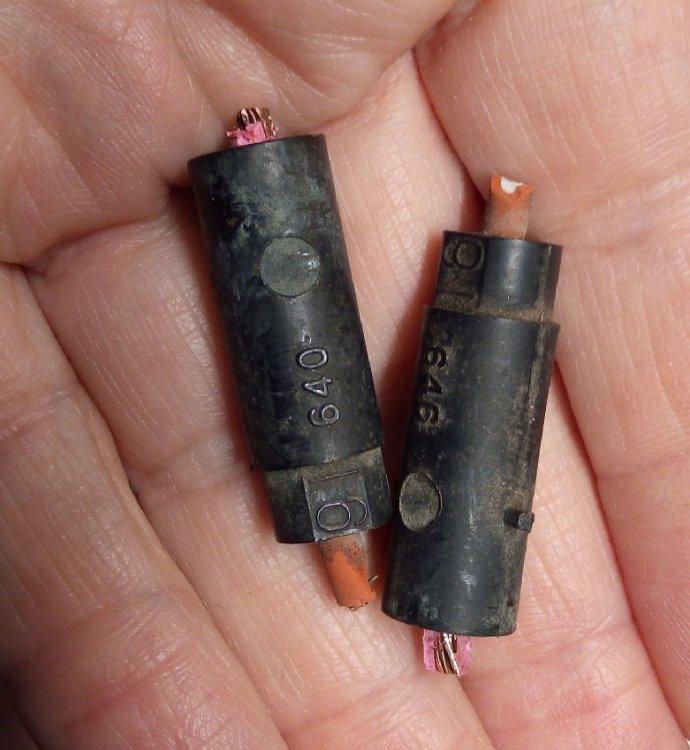 1989_bad_wiring_joints.thumb.jpg.8390c317edc3f8d0221e5bdac7bbf17e.jpg