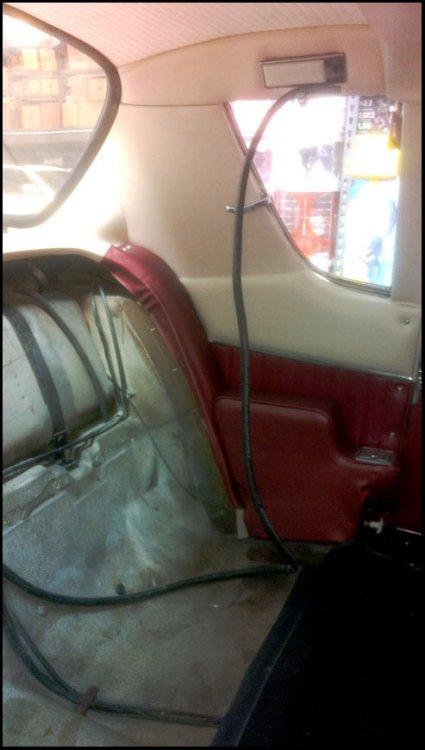 21,05-12, vent tube on coat hook_72.jpg